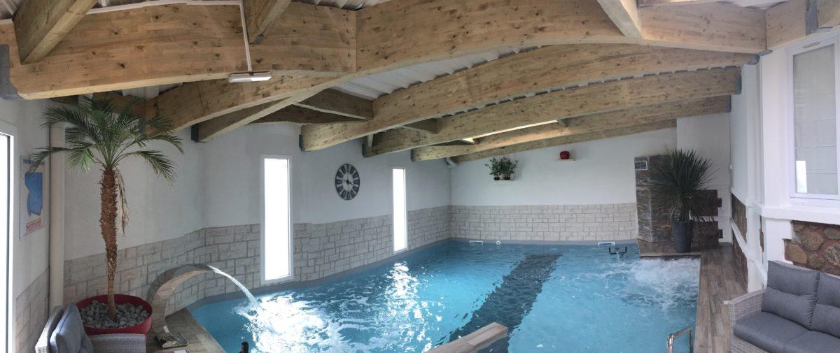 la piscine de l'hotel aux sables d'olonne