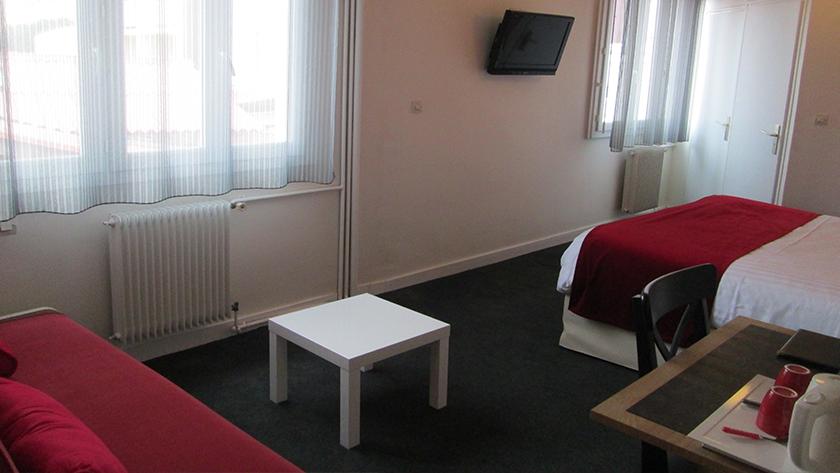 autre vue chambre quadruple hotel Calme des Pins