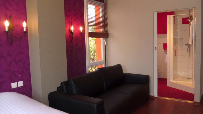 sofa chambre quadruple hotel Calme des Pins