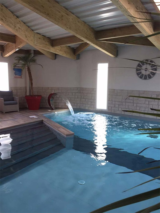 la piscine couverte de l'hôtel des Sables d'Olonne