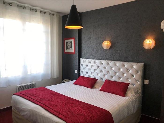 chambre hôtel centre-ville avec piscine intérieure Les Sables d'Olonne